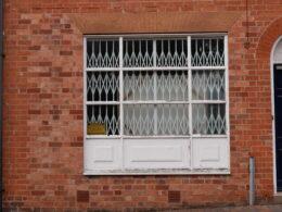 Altered window, 22 - 24 Vittoria Street ©Pat Rodwell